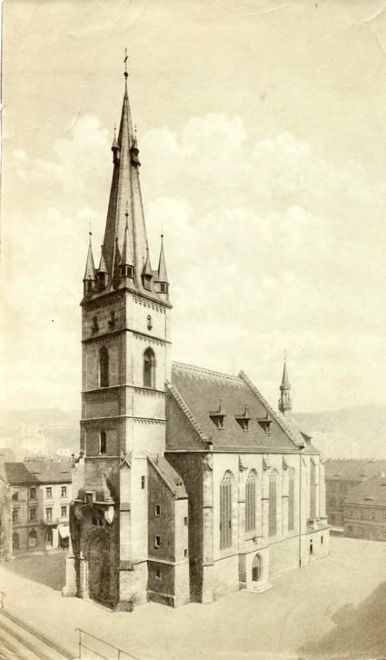 kostel se šikmou věží po1901